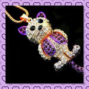 💜Betsey J💚hnson Lovely Cat Pendant Necklace💜
